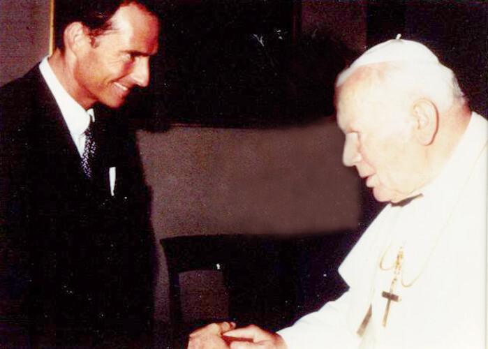 Бодо Шефер и Папа Римский фото